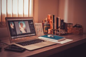 8 Work From Home Tips-How to make work from home successful